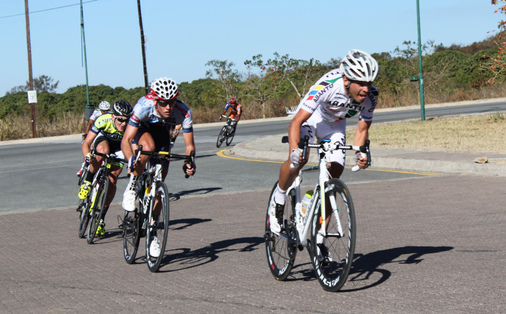 Westvaal-BMC's overall winner JC Nel (second from left) sprints into the finish, behind Reynard Butler of Abantu on stage three of the Bestmed Jock Cycle Classique in Nelspruit on Saturday. Photo: Full Stop Communications