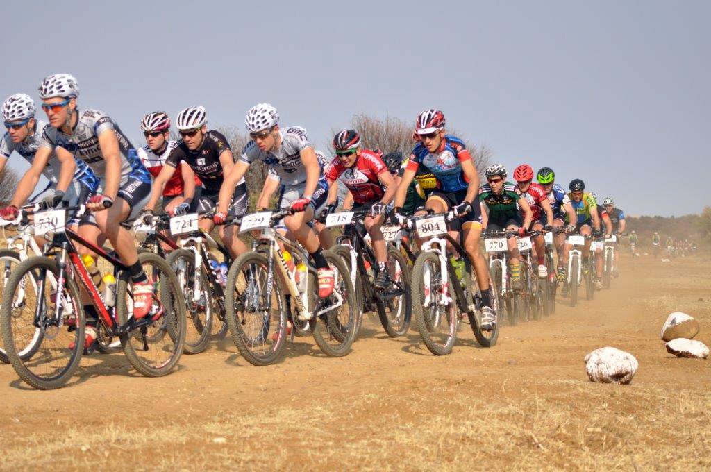 The leading bunch heading out at last years Mamusa Challenge – Photo supplied