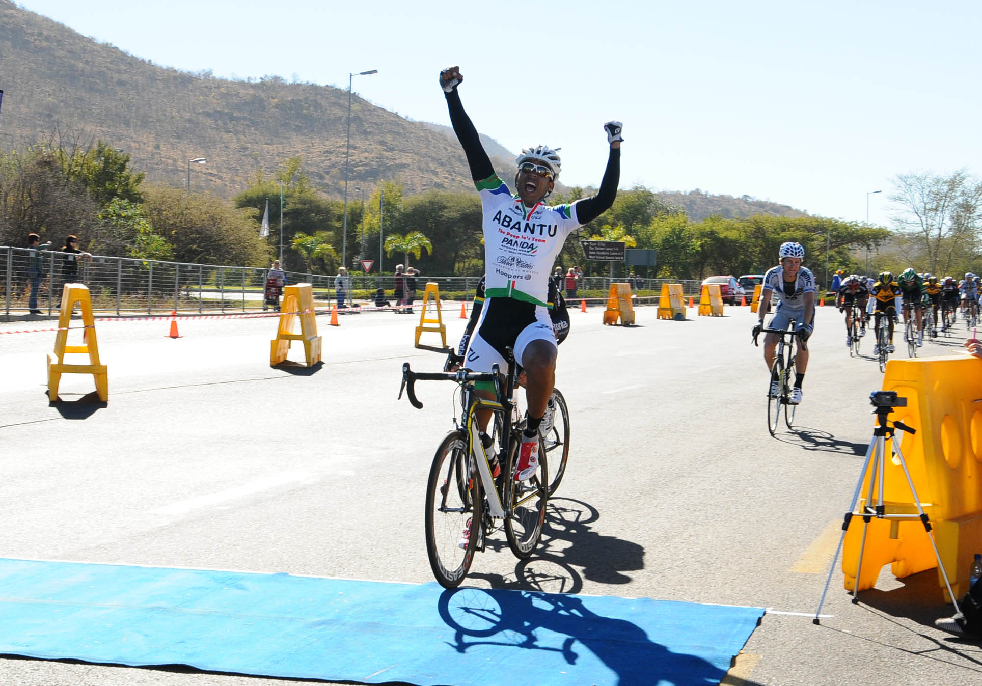 Team Abantu's Nolan Hoffman will be aiming to retain his title at the Powerade Bestmed Lost City Cycle Festival in the North-West Province on Saturday. Photo: Jetline Action Photo