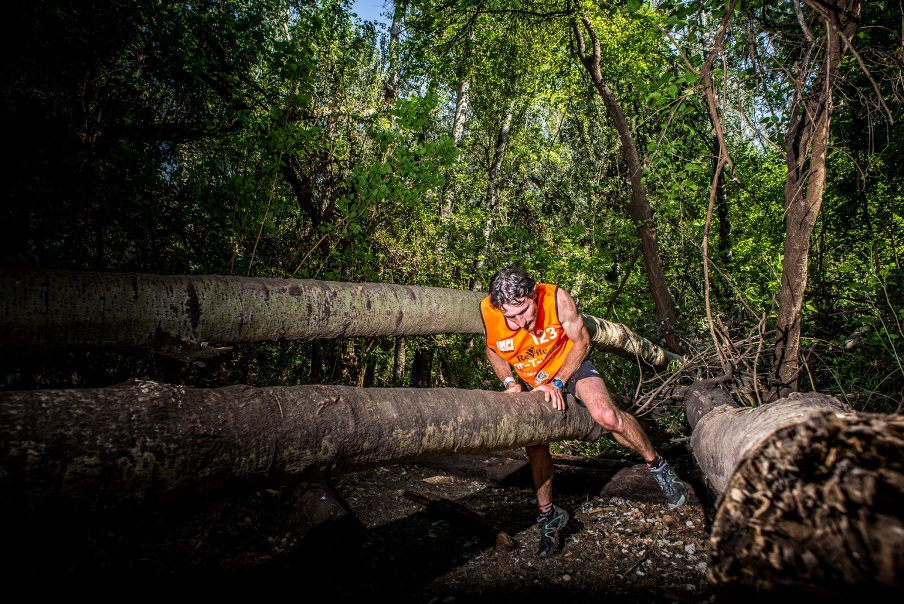 Ian Don-Wauchope (Central Drakensberg) claimed gold at his IMPI Elite debut on Saturday, 27 September 2014.  Don-Wauchope completed the course in a lightning fast time of 01 hour 46 minutes 42 seconds.  Photo Credit:  Erik Vermeulen / Adventure Photos