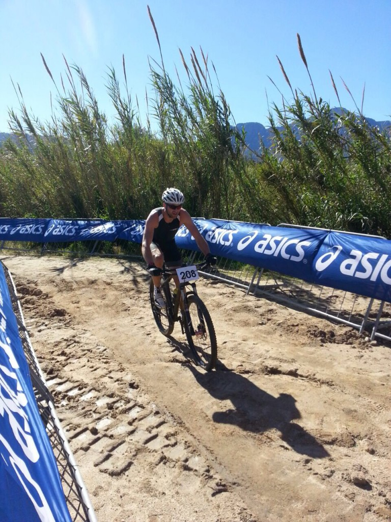 Matt Daneel winning the Asics Dirty Double