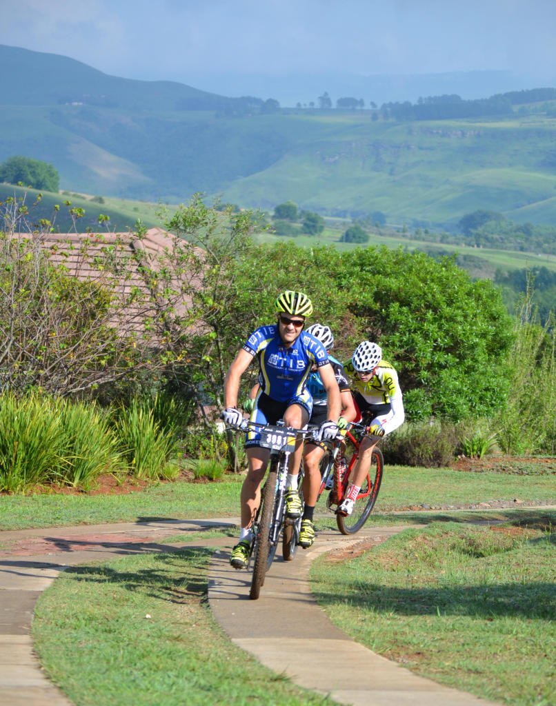 Defending Mountain Splendour Mania champion and overall 2014 ROAG Series winner Andrew Hill (TIB Insurance) will hope to end the series on a high note when he heads up into the Central Drakensberg this weekend for the 2014 edition of the 40km marathon. - QuickPix/ Gameplan Media
