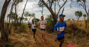 Micky Ndhlovu, Luke Schlebusch and Ryan Mathaba giving it their all at the Spur Gauteng Summer Trail Series™. Image by Pat Black