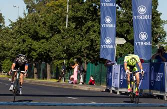 The 2014 Stellenbosch Cycle Tour ended in a sprint finish with James Tennent (Team Giant Durbanville) edging out second place Jos le Roux (Team Lights by Linea) by half a tyre width.