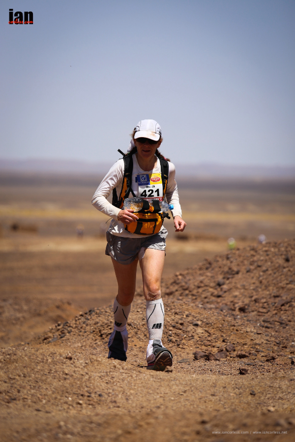 Nikki Kimball on her way to victory at the Marathon des Sables 2014. All images by Ian Corless.