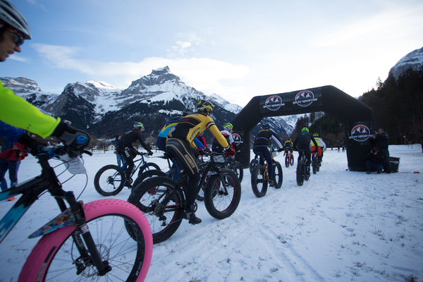 Riders at the start of the inaugural Snow Epic, held in Engelberg, Switzerland on 15 January 2015. Photo Credit: Nick Muzik
