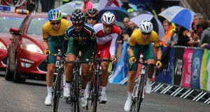 Ashleigh Moolman Pasio flying in her SA Colors - Photo http://www.ashleighcycling.com/