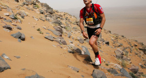 James Cracknell on his way to twelfth position at the Marathon des Sables in 2010. ©markgillett/Junglemoon