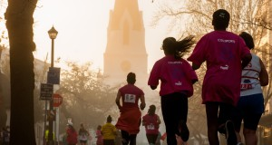 The FNB Cape Town 12 ONERUN debuts on Sunday, 17 May 2015.  Participants can choose between four tailor-made training programmes that are guaranteed to help them achieve their running goals at the inaugural event.  PHOTO CREDIT:  Cherie Vale / NEWSPORT MEDIA