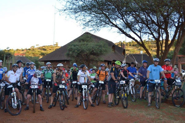 Participants getting ready for Stage 1 of The Grind - Photo Kotoko MTB
