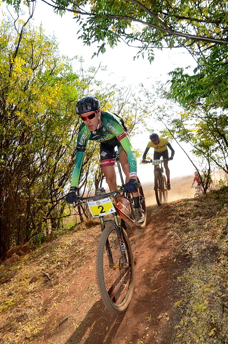 Nic White (front) took the victory in the first ever 80km ultra-marathon at the Bestmed Walkerville MTB Classic, presented by ASG, in Gauteng on Saturday. Photo: Jetline Action Photo