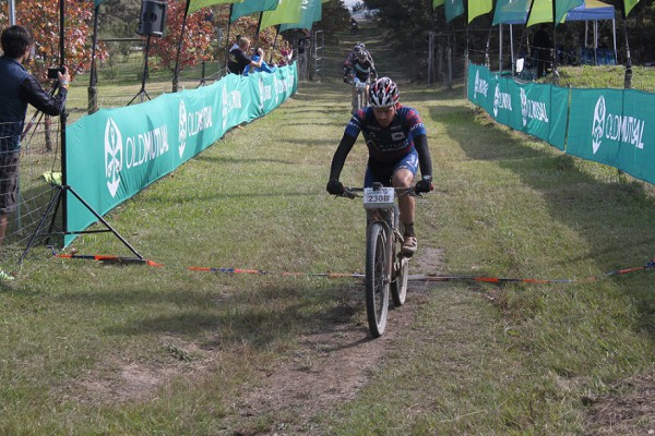 Hanco Kachelhoffer, riding in the colours of Altech Autopage Karan Beef, sprints to the stage win for his team on day seven of the Old Mutual joBerg2c near Ixopo on Thursday. Photo: Full Stop Communications