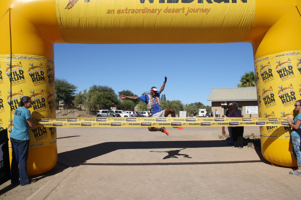 Thabang Madiba takes the Richtersveld Wildrun title. Image courtesy of Wildrunner