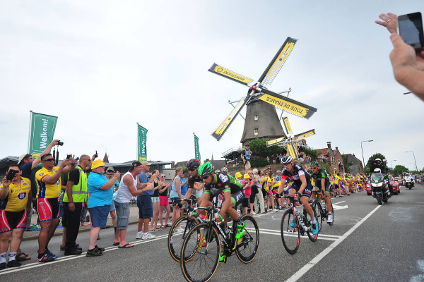 2éme Etape - Utrecht / Zeeland - 166 Km -Not sure that the riders had time to appreciate the Dutch landscape