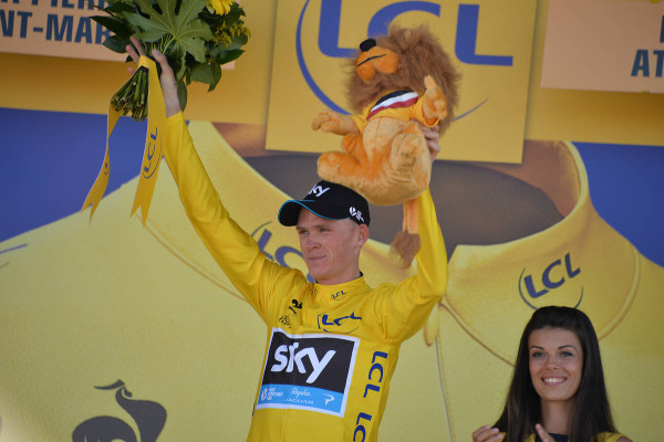 Chris Froome take the yellow jersey - Crédit : ASO/B.Bade