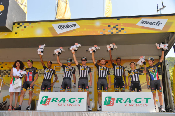 MTN- Qhubeka , the best team in the 17th stage . - Crédit : ASO/B.Bade