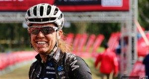 Ariane Kleinhans all smiles after another fantastic win - Photo Zoon Cornje