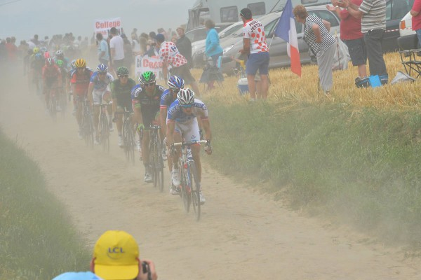 The dust, a classic on cobblestones in dry weather. - Crédit : ASO/B.Bade