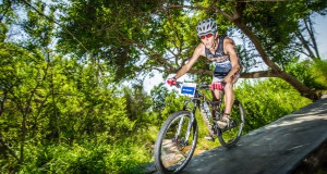 The 2016 Fedhealth XTERRA SA season kicks off this month with the much anticipated Fedhealth XTERRA Buffelspoort (North West Province) the weekend of 22 – 24 January 2016 followed by an exciting introduction to Port Elizabeth with the Fedhealth XTERRA Nelson Mandela Bay the weekend of 29 – 31 January 2016.  Seen here:  Stellenbosch based trail runner/multi-sport athlete, Antoine van Heerden in action at the 2015 Fedhealth XTERRA Buffelspoort.  Photo Credit:  Volume Photography