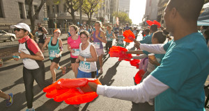 Seen here:  Runners in action at the inaugural FNB Cape Town 12 ONERUN in 2015.  Photo Credit:  Mark Sampson