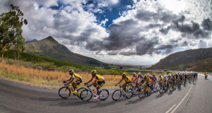 The peloton led by MTN-Qhubeka's feeder team during last year's Bestmed Tour of Good Hope. Photo: Capcha