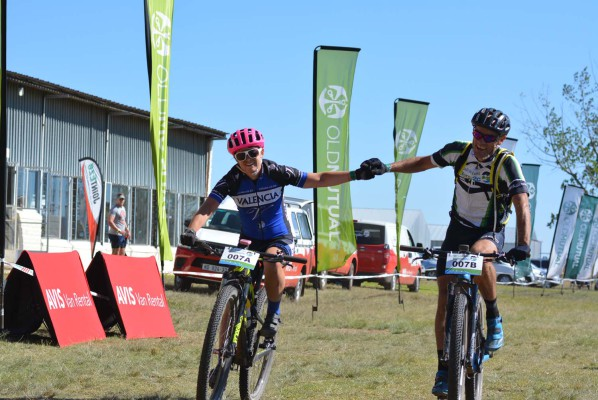 Valencia-Lanham-Love's Amy McDougall (left) and Grant Usher win the second stage of the 2016 Old Mutual joBerg2c between Frankfort and Reitz today. Photo: Full Stop Communications