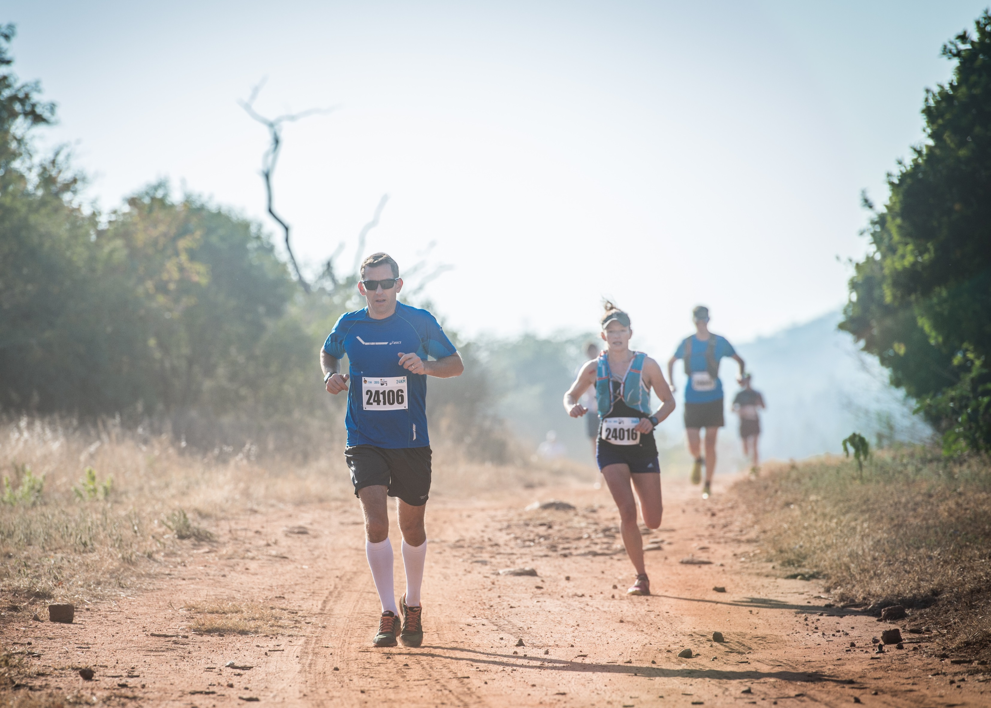 Trail running enthusiasts can look forward to experiencing the true beauty of the Magaliesberg at the 4th annual FNB Platinum Trail Run that will take place at the ATKV in Buffelspoort on Sunday, 22 May 2016.  Seen here:  Trail runners in action at the 2015 FNB Platinum Trail Run.  Photo Credit:  Tobias Ginsberg