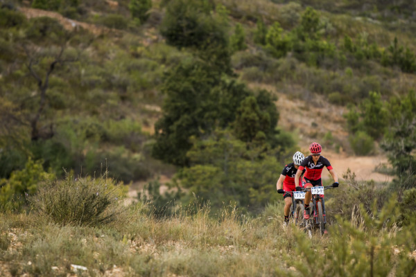 Stephan Senekal (left) and Ariane Kleinhans of Team Spur won the second stage of the 2016 Liberty Winelands MTB Encounter on Saturday. Photo: Ewald Sadie