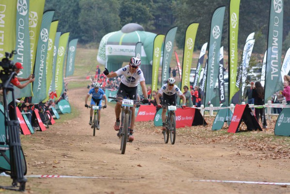 Nico Bell of NAD Pro (front) and Gawie Combrinck (right) win stage five of the 2016 Old Mutual joBerg2c between Winterton and Nottingham Road. Photo: Full Stop Communications