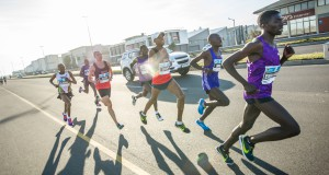 The prospect of seeing Stephen Mokoka and Elroy Gelant take on Emmanuel Bett, Daniel Salel and Timonthy Toroitich in the FNB Cape Town 12 ONERUN on Sunday 15 May, is a riveting one. There will however be more at stake than merely making sure that it is a South African on top of the podium – the question of who is South African King of the road will also be answered.  Seen here:  Elroy Gelant, Timonthy Toroitich, Daniel Salel and Emmanuel Bett in action at the 2015 FNB Cape Town 12 ONERUN.  Photo Credit:  Tobias Ginsberg