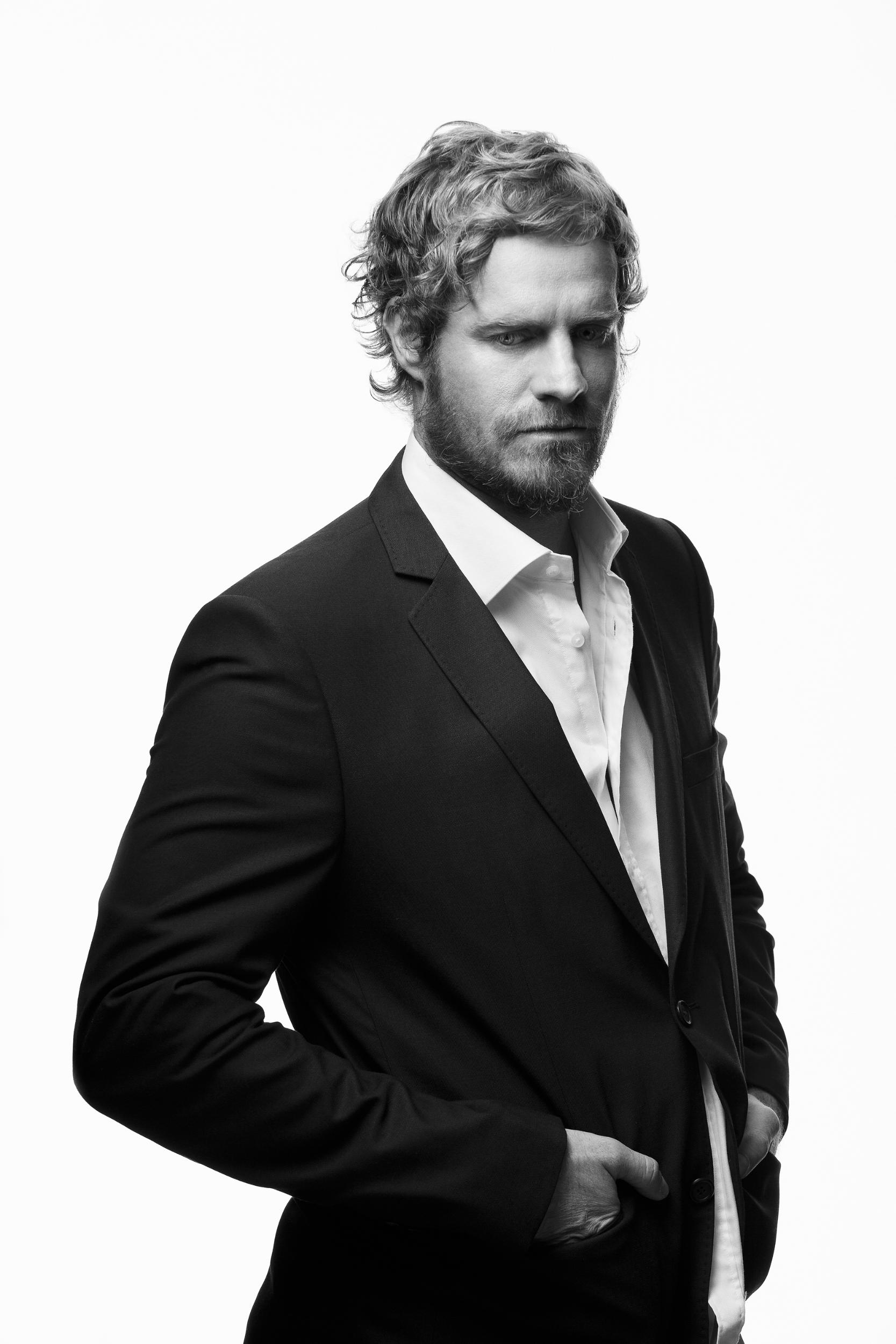 Paddlers will have the opportunity, thanks to long-time sponsors Hansa Pilsner, to listen to the addictive sound of Arno Carstens as he headlines the race after party at the popular Hops Riverside on Saturday, 18 February.