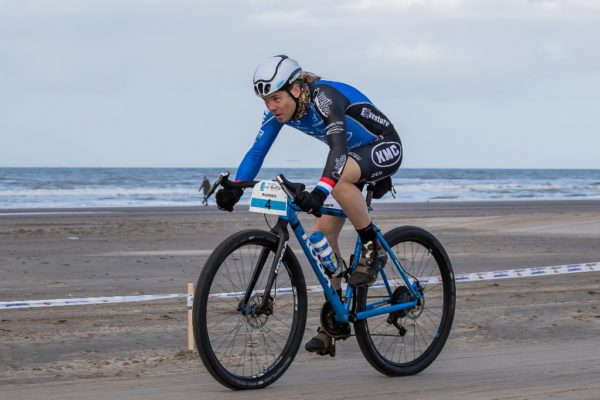 Dutch beach racing star Ramses Bekkenk in action during a 100km plus beach race in his home country. Photo by www.directsportfoto.nl.