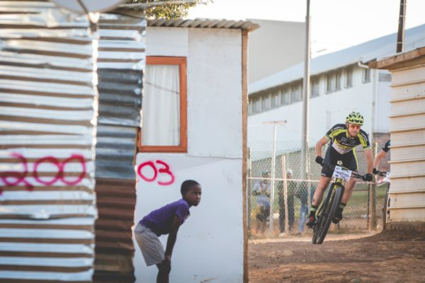 Stellenbosch local and long-time supporter of songo.info Erik Kleinhans in action during the 2017 MTO Champions Race. Photo by Ewald Sadie.