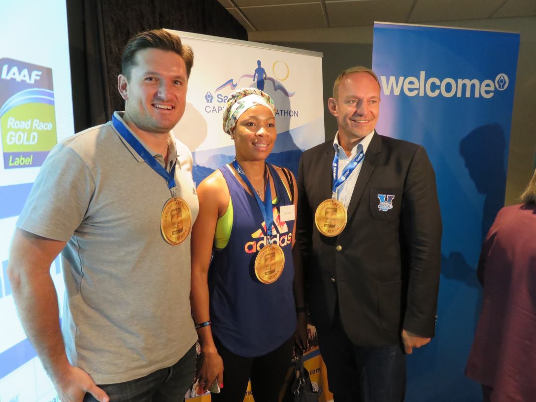Graeme Smith, former SA cricket captain; Zanele Mdodana, former SA netball captain; Francois Pienaar, former SA rugby captain and ambassador of Sanlam Cape Town Marathon. All three captains taking part in this year's Captain's Challenge at Sanlam Cape Town Marathon on 17 September 2017. Sanlam Cape Town Marathon was awarded IAAF Gold Label status today, the only marathon event on the African continent to receive such an honour.