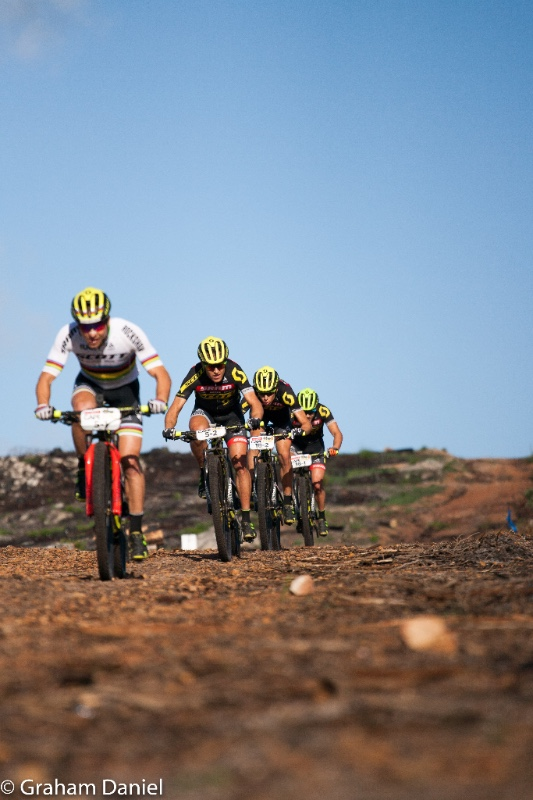 Nino Schurter leads his team, back up included, through the Stage to the Yellow Jersey