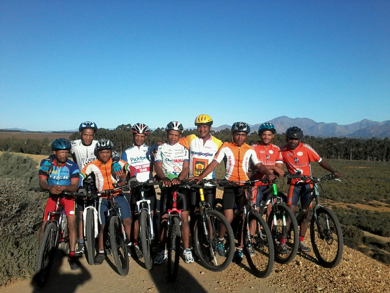 Gravel & Grape trail builders after a cycle. From left: Hannes Martiens; Gavin Vermeulen; Justin Brand; Isak Vermeulen; Doela Vermeulen; Danfred Lukas; Jerome Cupido ; Kotie Vermeulen and Johannes Brand