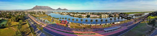 A record field of over 13 000 runners will take the Mother City by storm this coming Sunday, 21 May 2017 at the 3rd annual FNB Cape Town 12 ONERUN.  Seen here:  Eager runners at the start of the inaugural FNB Cape Town 12 ONERUN in 2015.  Photo Credit:  Kapstadt.de