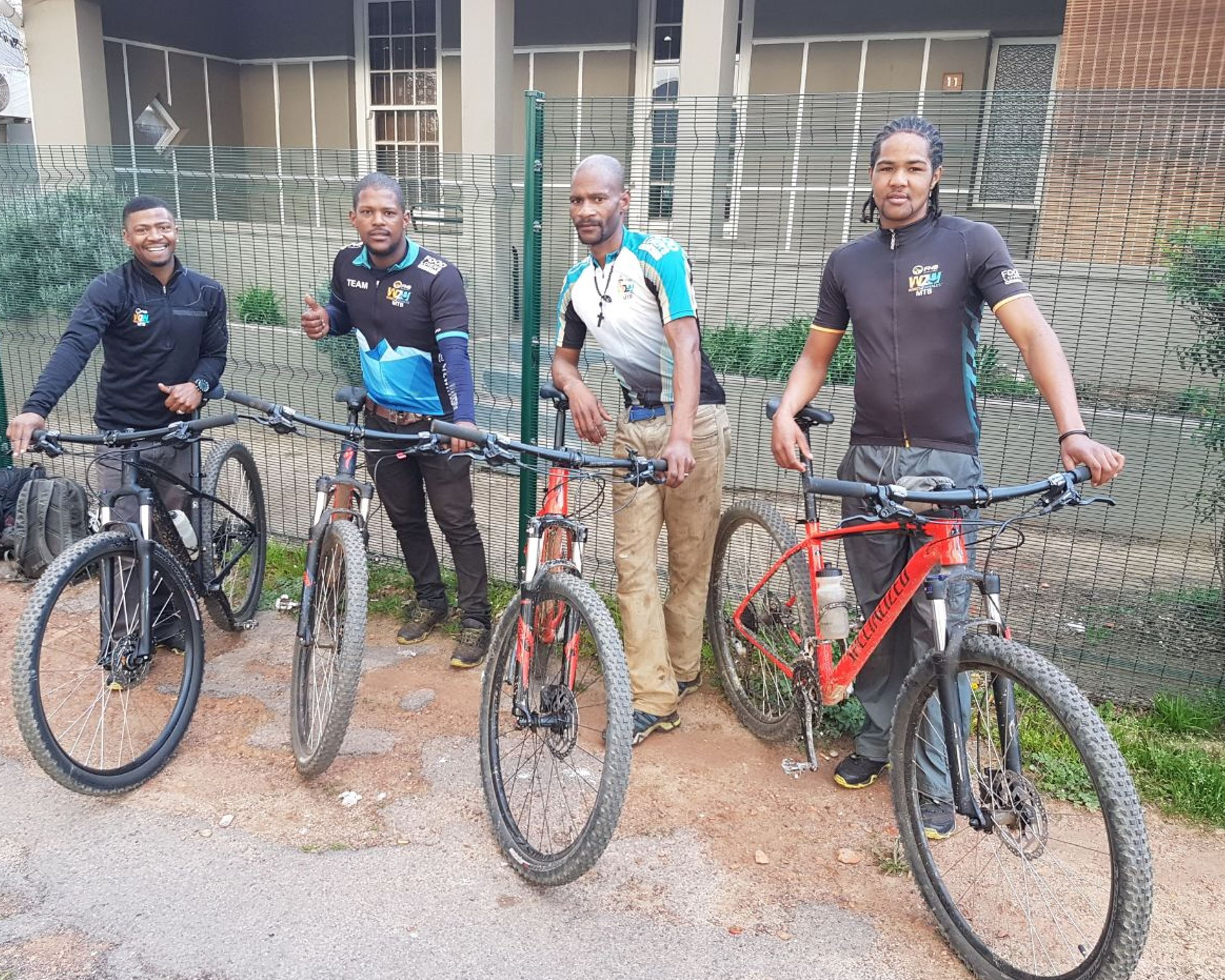 Cape Trails, the cherished route builders of the FNB Wines2Whales (W2W) Mountain Bike (MTB) Events, will be seen traveling to work in style on their 2018 Rockhopper Comp 29er mountain bikes compliments of the organizers of the FNB W2W MTB Events and Specialized South Africa.  Seen here (from left to right):  Cape Trails members Ashwell Swartz, Brendon Booysen, Denzel Scheepers and Jason Adams.