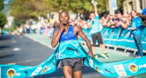 Morris Gachaga in action during the 2017 FNB Cape Town 12 ONERUN earlier this year.  Photo Credit:  Tobias Ginsberg