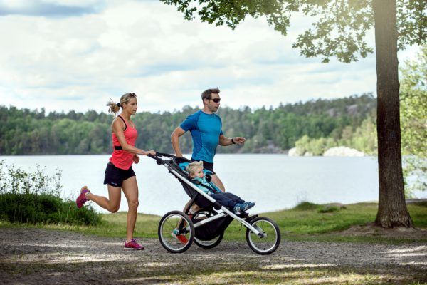 Thule Glide is a high performance sports stroller with a lightweight aerodynamic design, allowing you to get the most out of your run on any terrain.