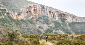 The northern reaches of the vlei, near its headwaters, offers amazing views of limestone cliffs – pockmarked with caves. Photo by Oakpics.com.