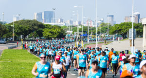 Durban will be a hub of excitement on Sunday, 14 October 2018 when thousands of runners toe the line ready to  #RunDurbanYourWay at the 2018 FNB Durban 10K CITYSURFRUN. Seen here:  Excited Durbanites in action at the inaugural FNB Durban 10K CITYSURFRUN  in 2017.  Photo Credit:  Anthony Grote