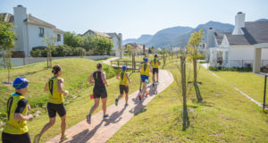 Athletes swim in their running shoes and if they opt for a wetsuit, they run in the wetsuit – there are no transitions in swimrun