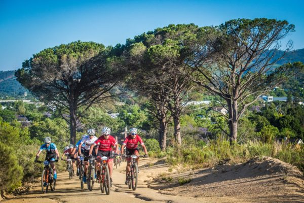 Mountain biking enthusiasts enjoying the vast network of MTB trails on offer in Stellenbosch.  Photo Credit:  Tobias Ginsberg